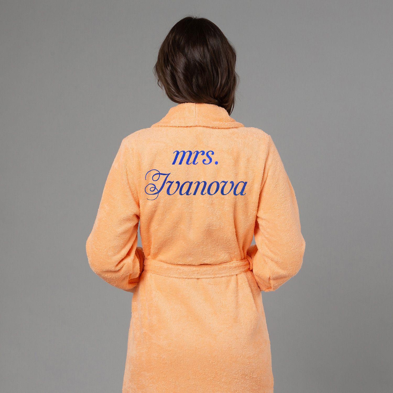 Женский халат с вышивкой