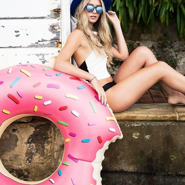 Надувной круг «Яркий пончик»