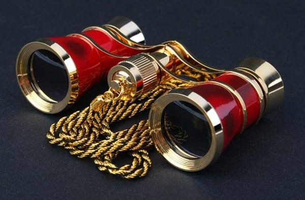 Театральный бинокль красный с шнурком