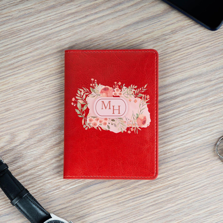 Обложка для паспорта «Инициалы в цветах» красная