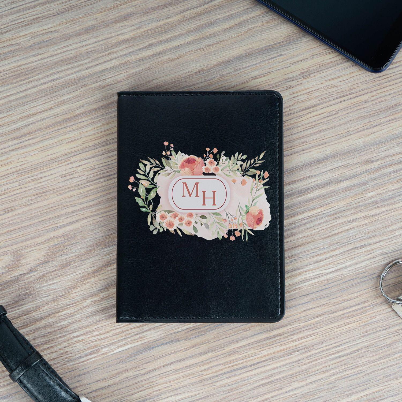 Обложка для паспорта «Инициалы в цветах» черная
